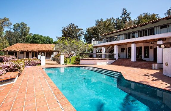 Rancho santa fe ca homes with a guest house rancho santa for Home for sale with guest house