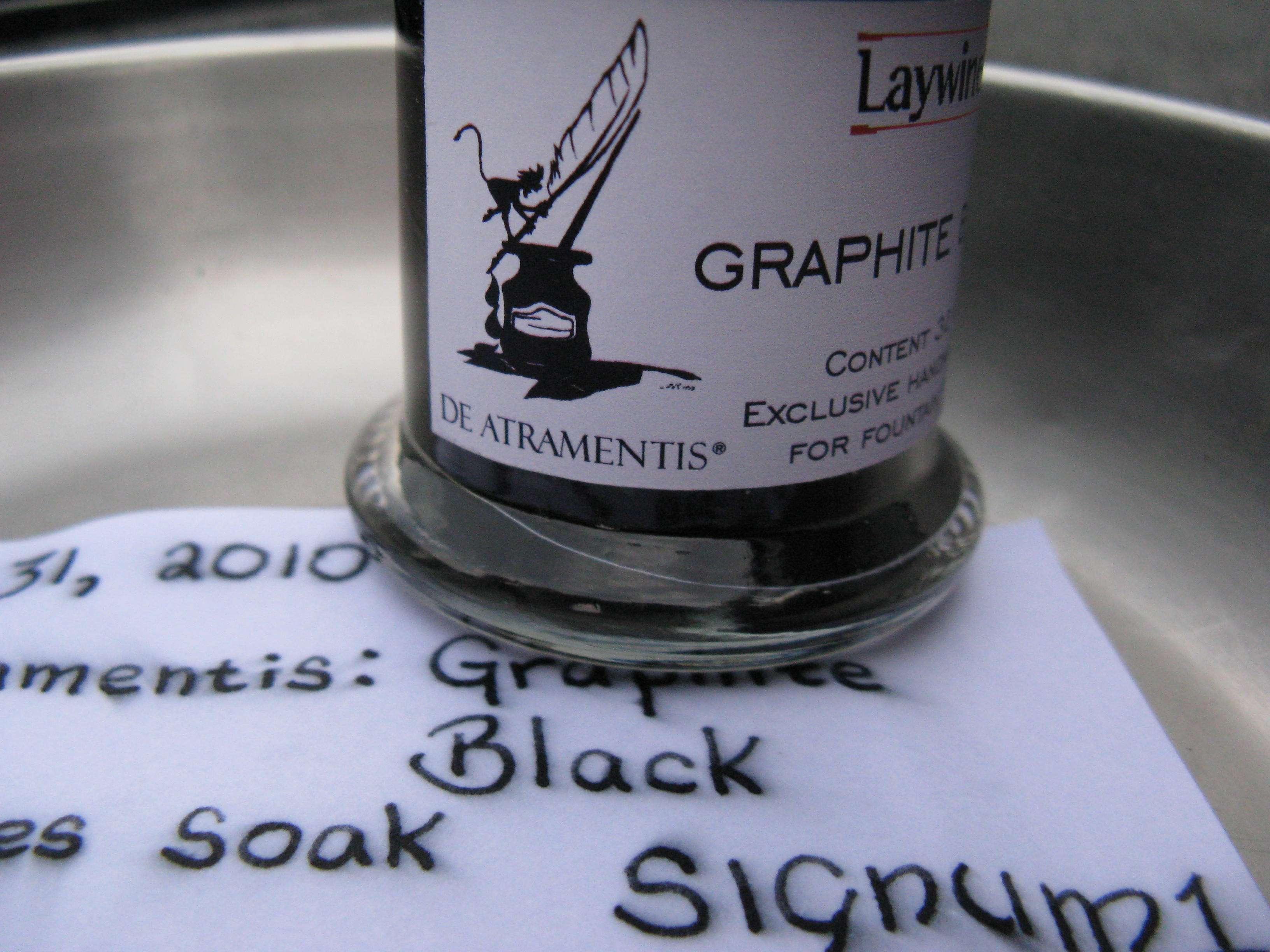 De Atramentis: Graphite Black - Ink Reviews - The Fountain